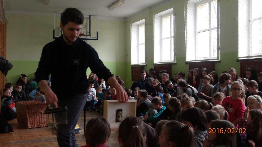 �Żywa lekcja przyrody i biologii�  w Zespole Szkolno-Przedszkolnym  w Rogoźnicy