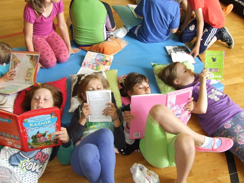 Szko�a Podstawowa w Rzeczycy promuje czytelnictwo